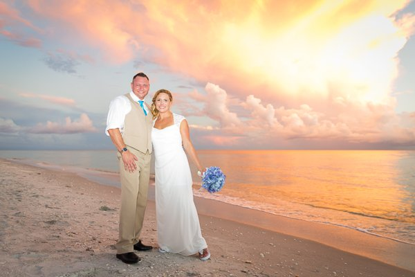 intimate wedding photo on Sanibel Island