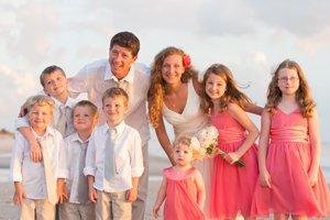 parents renew wedding vows with children